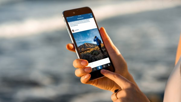 Пользователям Instagram разрешат задавать вопросы в Stories